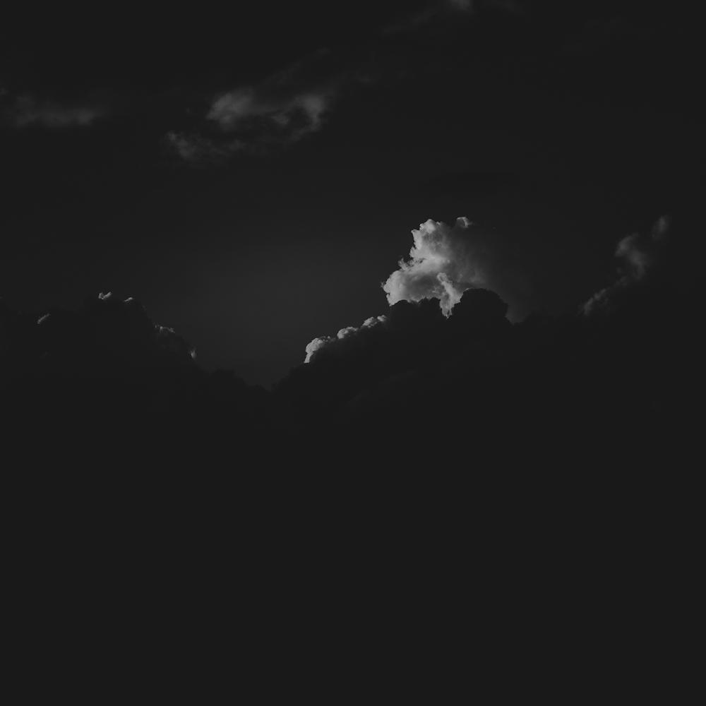 NydiaLilian_ItWasDark_02